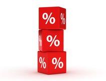 Cubes rouges en remise Concept de vente - main avec la loupe Photo stock