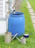 Cubeta da lata molhando do tambor Imagens de Stock Royalty Free