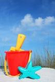 Cubeta da praia Fotos de Stock Royalty Free