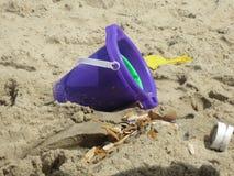 Cubeta da praia Imagens de Stock Royalty Free