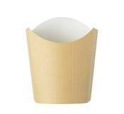 Cubeta das batatas fritas do papel de embalagem isolada no branco foto de stock royalty free