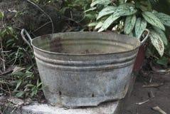 Cubeta de lavagem do vintage Imagem de Stock Royalty Free