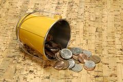 Cubeta do dinheiro Fotos de Stock