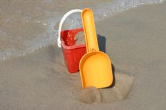 Cubeta e pá do brinquedo Imagem de Stock Royalty Free
