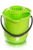 Cubeta verde para a limpeza molhada Foto de Stock Royalty Free