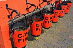 Cubetas de fogo vermelho, Hampton Loade Fotografia de Stock Royalty Free