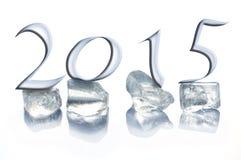2015 cubetti di ghiaccio isolati su bianco Immagine Stock