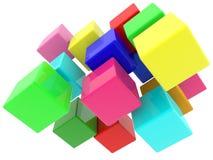 Cubi a caso impilati in vari colori negli ambiti di provenienza bianchi Fotografia Stock