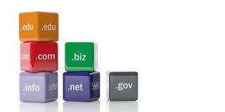 cubi della rappresentazione 3d con i Domain Name su un fondo bianco Fotografia Stock Libera da Diritti