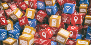 cubi della rappresentazione 3d con il fondo di simboli del pc Immagine Stock Libera da Diritti