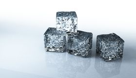 Cubi di ghiaccio isolati su una priorità bassa bianca Fotografie Stock