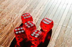 Cubi rossi dei dadi Fotografia Stock Libera da Diritti