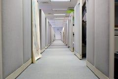 cubicleskontorsavstånd arkivfoto