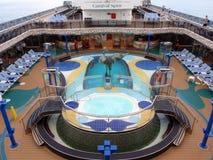 Cubierta de la piscina del barco de cruceros Fotografía de archivo