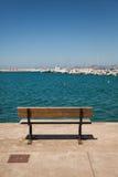 Cubierta del banco con la opinión del mar Foto de archivo libre de regalías