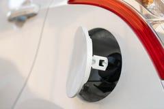Cubierta del depósito de gasolina y casquillo del combustible fotografía de archivo libre de regalías