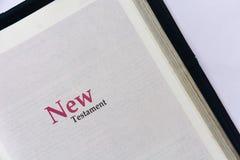Cubierta del nuevo testamento en Sagrada Biblia foto de archivo libre de regalías