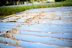 Cubierta drenada oxidada de la zanja Foto de archivo libre de regalías