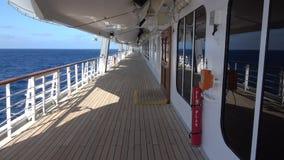 Cubierta externa en un barco de cruceros almacen de video