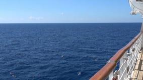Cubierta externa en un barco de cruceros metrajes