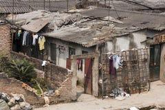 Cubierta pobre en Hanoi central. Foto de archivo