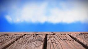 Cubierta y cielo de madera almacen de metraje de vídeo