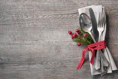 Cubierto de la tabla de la Navidad Imágenes de archivo libres de regalías