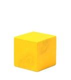 Cubo amarelo de madeira natural Fotografia de Stock Royalty Free
