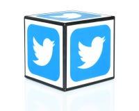 Cubo con los iconos de Twitter Imagen de archivo