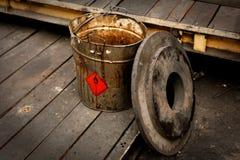 Cubo contaminado sucio Imagen de archivo libre de regalías