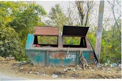 Cubo de basura de la comunidad Foto de archivo libre de regalías