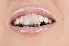 Cubo de gelo na boca Foto de Stock Royalty Free