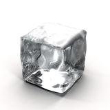 Cubo de hielo en el fondo blanco Imagen de archivo
