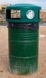Cubo de la basura Imágenes de archivo libres de regalías