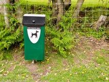 Cubo de la basura del perro Fotografía de archivo