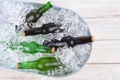 Cubo de la cerveza del alto ángulo Imagen de archivo