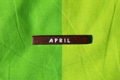 Cubo de madeira com o nome do mês abril Imagem de Stock Royalty Free