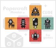Cubo de papel para los juegos y la decoración de los niños. Foto de archivo libre de regalías