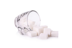 Cubo dello zucchero in tazza di caffè Fotografie Stock