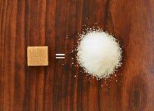 Cubo equivalente do açúcar a granulado fotos de stock royalty free