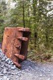 Cubo oxidado del excavador imagen de archivo libre de regalías
