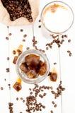 Cubo in un vetro di caffè ghiacciato Immagini Stock Libere da Diritti