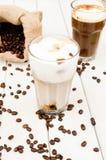 Cubo in un vetro di caffè ghiacciato Fotografie Stock Libere da Diritti