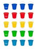 Cubo vacío plástico azul con la manija para limpiar y la economía doméstica Imagen de archivo libre de regalías