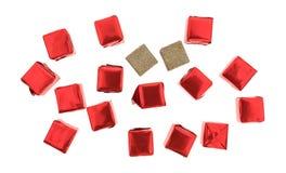 Cubos de caldo flavored carne envolvidos e desempacotados Imagens de Stock Royalty Free