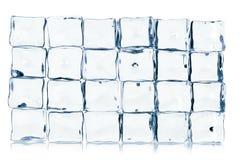 Cubos de gelo isolados no branco Imagens de Stock