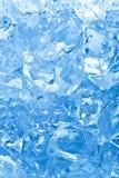 Cubos de hielo azules Imágenes de archivo libres de regalías