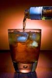 Cubos de hielo del whith de la bebida alcohólica Fotografía de archivo libre de regalías