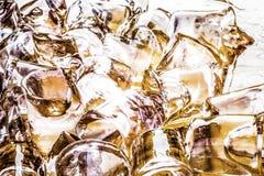 Cubos de hielo en cola Imagen de archivo libre de regalías