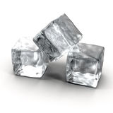 Cubos de hielo en el fondo blanco Imagenes de archivo